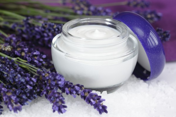 Skin cream with lavender