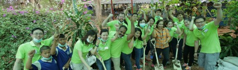 Employees at worlwide sustainabilty project