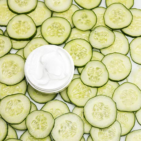 Cucumber slices and cream