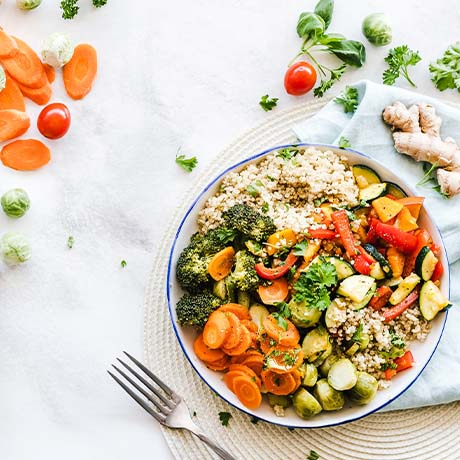 Vegetable and quinoa food bowl